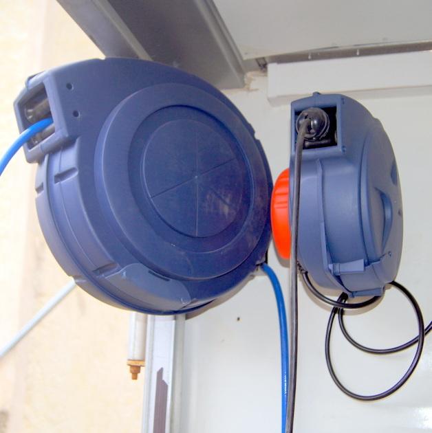 Enrouleur tuyaux air et câble électrique