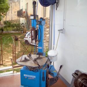 Machine à pneus